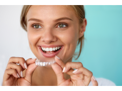 INVISALIGN TEETH STRAIGHTENING TREATMENT IS SIMPLE AND EFFECTIVE